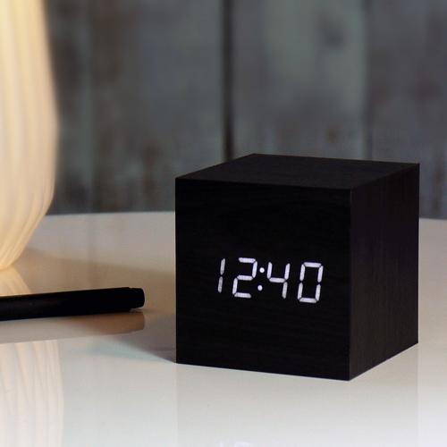 Cube click clock cadeauxperts - Cube nachtkastje ...